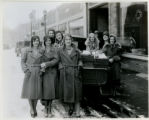Telephone girls delivering Christmas boxes, Christmas Eve, 12/24/1930, Morristown, NJ