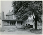Jefferson Ave, house with car in driveway, 07/04/1928, Morristown, NJ